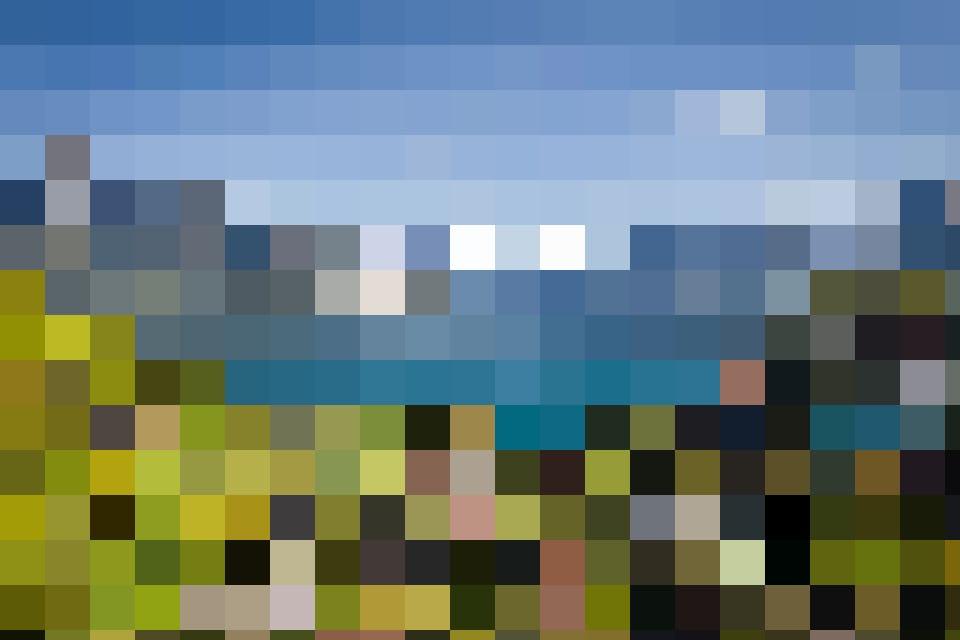 Vue panoramique sur la jolie baie de Spiez.