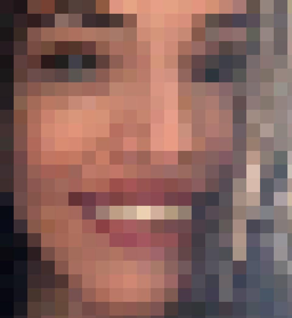 Melissas altes Lächeln mit Zahnlücke