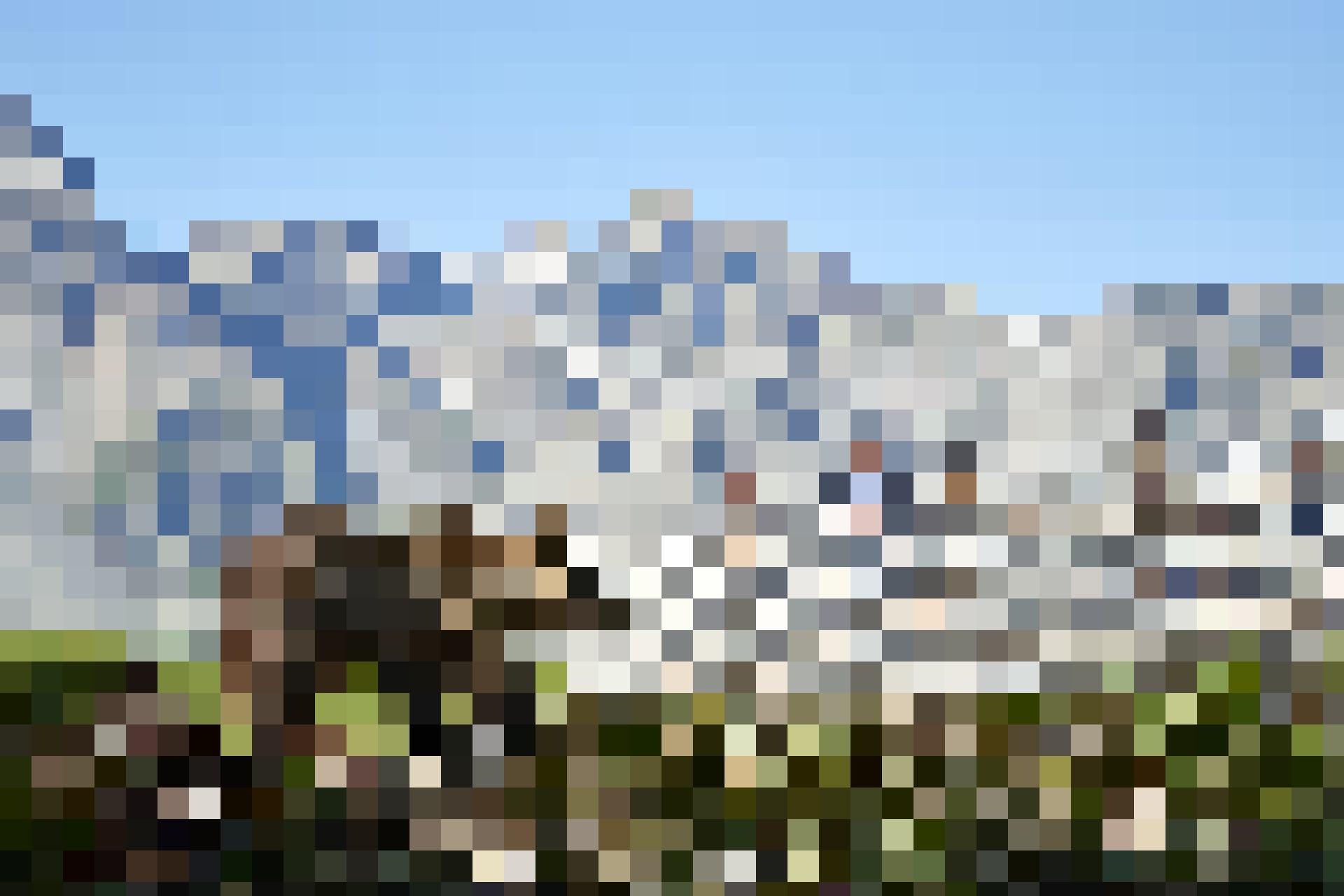 Jedem der Bären stehen rund 5000 Quadratmeter Fläche in der Anlage in den Bündner Bergen zum Austoben zur  Verfügung.