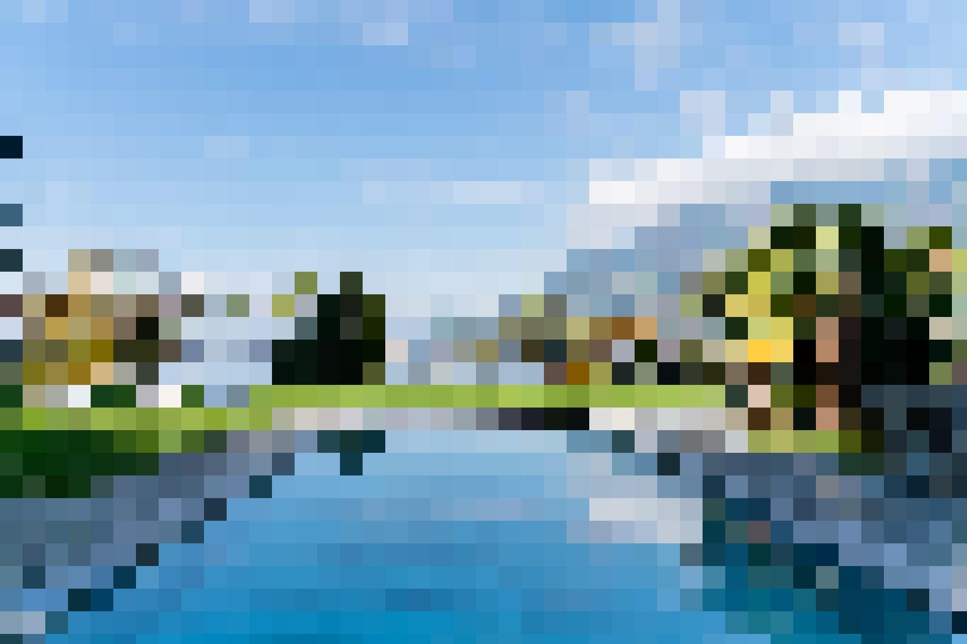 Im FloraAlpina entspannt man mit Blick auf den Vierwaldstättersee.