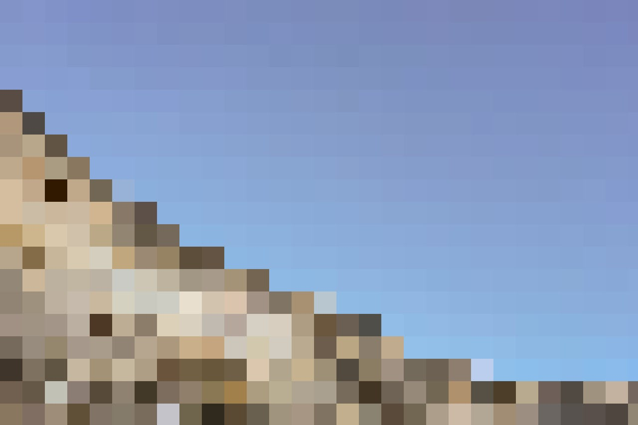 Das Stollenloch von unten betrachtet: Erst aus dieser Perspektive erschliesst sich, wie Steil die Eiger-Nordwand wirklich ist.