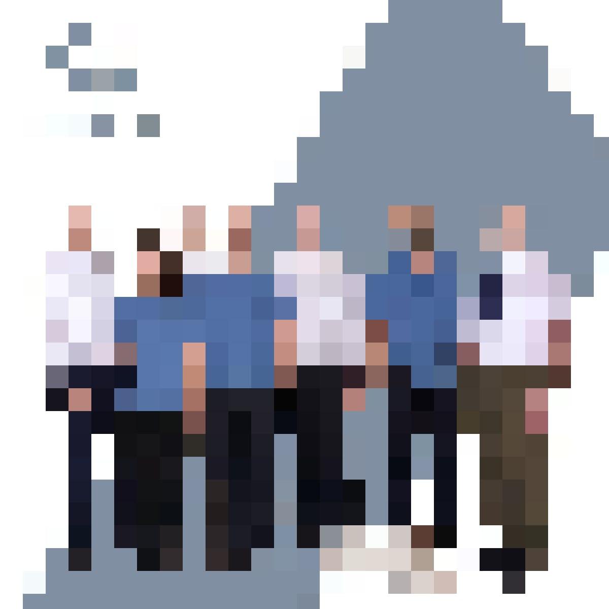 Beim YOUSEEZÜRI-Team bist du in besten Händen. (v.l.n.r.: Dr. Theo G. Seiler, Chiara Brülhart, Dr. Isaak Fischinger, Andreas Sikau, Dr. Tobias Koller, Benjamin Isler, Prof. Dr. Dr. Theo Seiler und Hera)