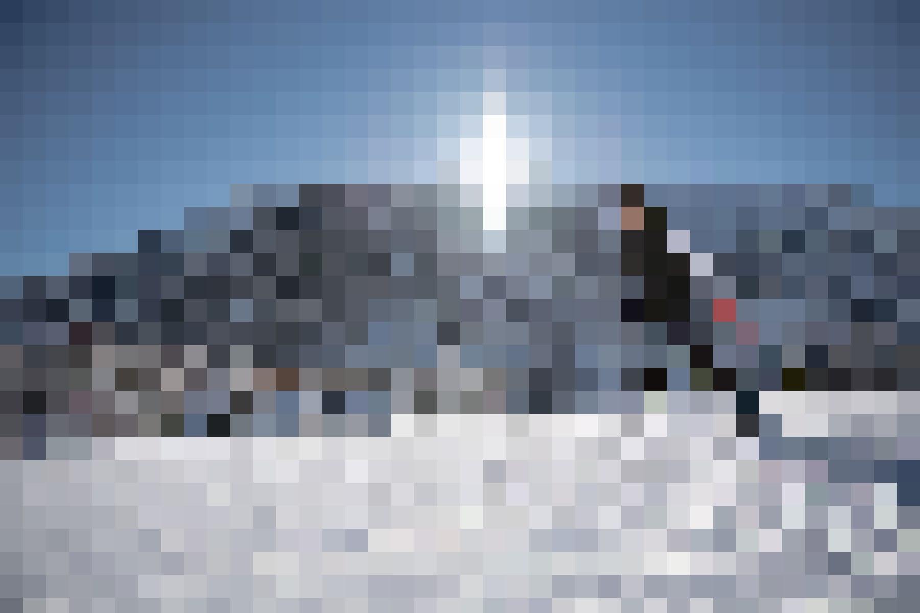 Das Urserntal ist ein Paradies für Langläufer: Auf langen Brettern unterwegs.