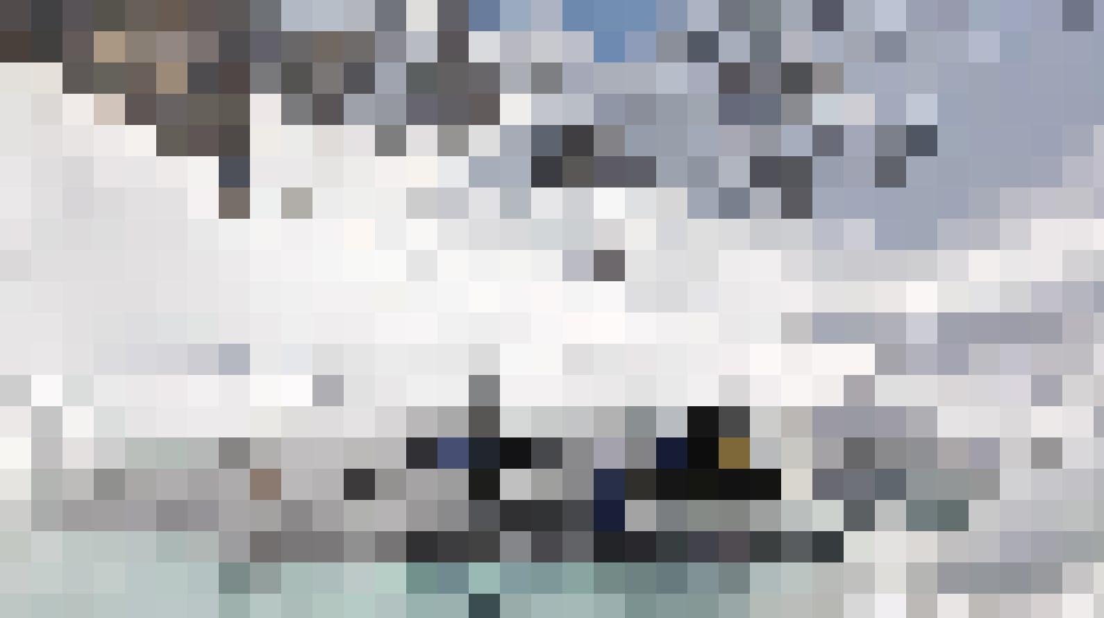 Abtauchen in das eiskalte, aber klare Wasser des Lac Lioson