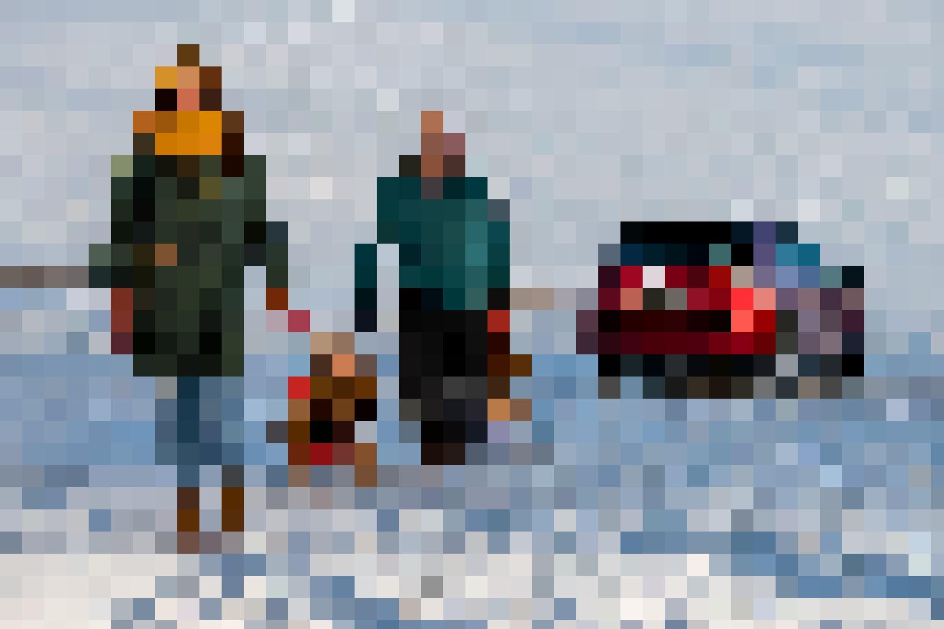 Départ! Parents et enfants ont laissé le Mazda CX-5 4x4 au parking...