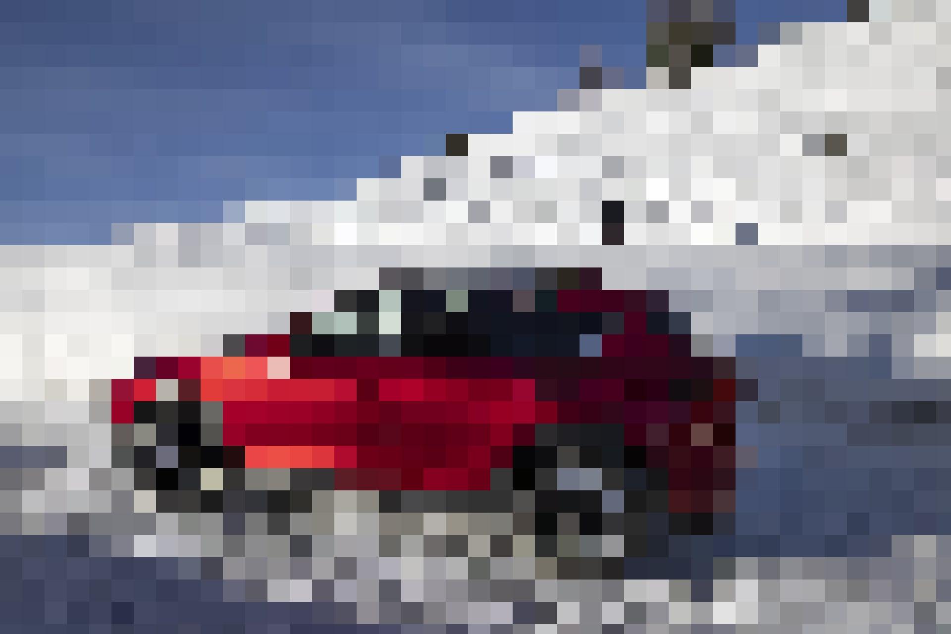 Offroad - in der Natur und im Alltag: Ueli Kestenholz mit seinem Mazda CX-5.