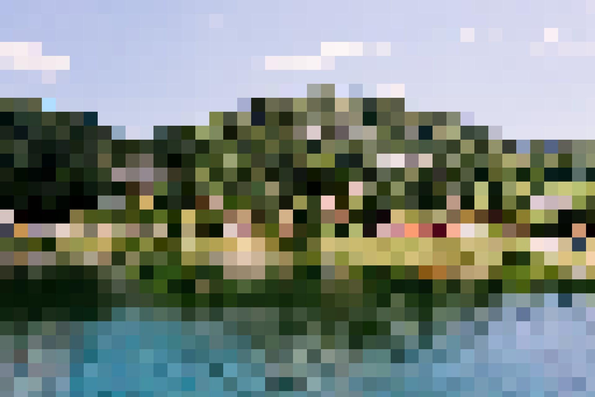 Le Pont liegt am Lac de Joux.
