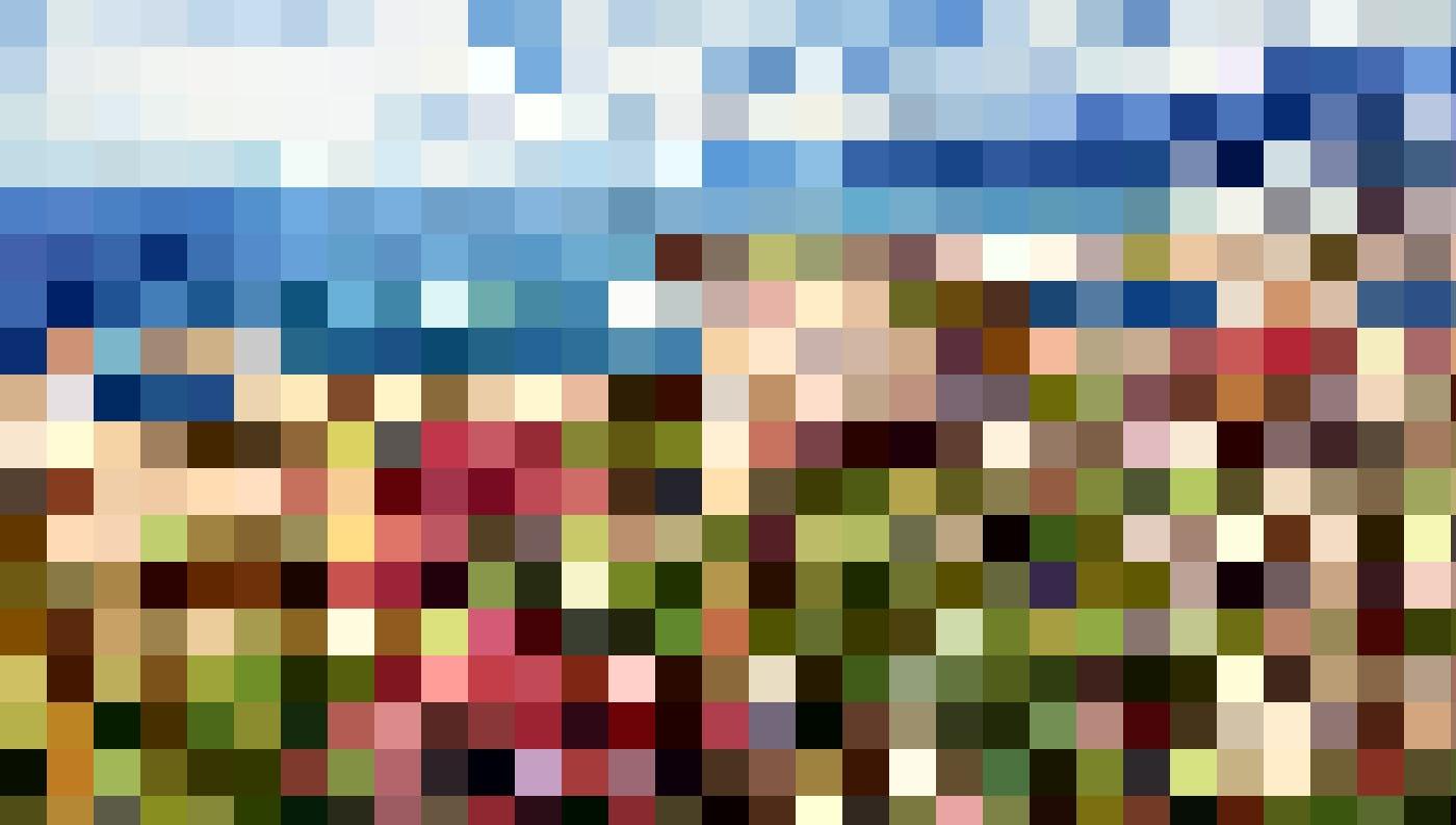 Das Hafenstädtchen L'Île-Rousse verdankt seinen Namen der vorgelagerten  Île de la Pietra, deren Porphyrfelsen im Sonnenlicht rot leuchten.