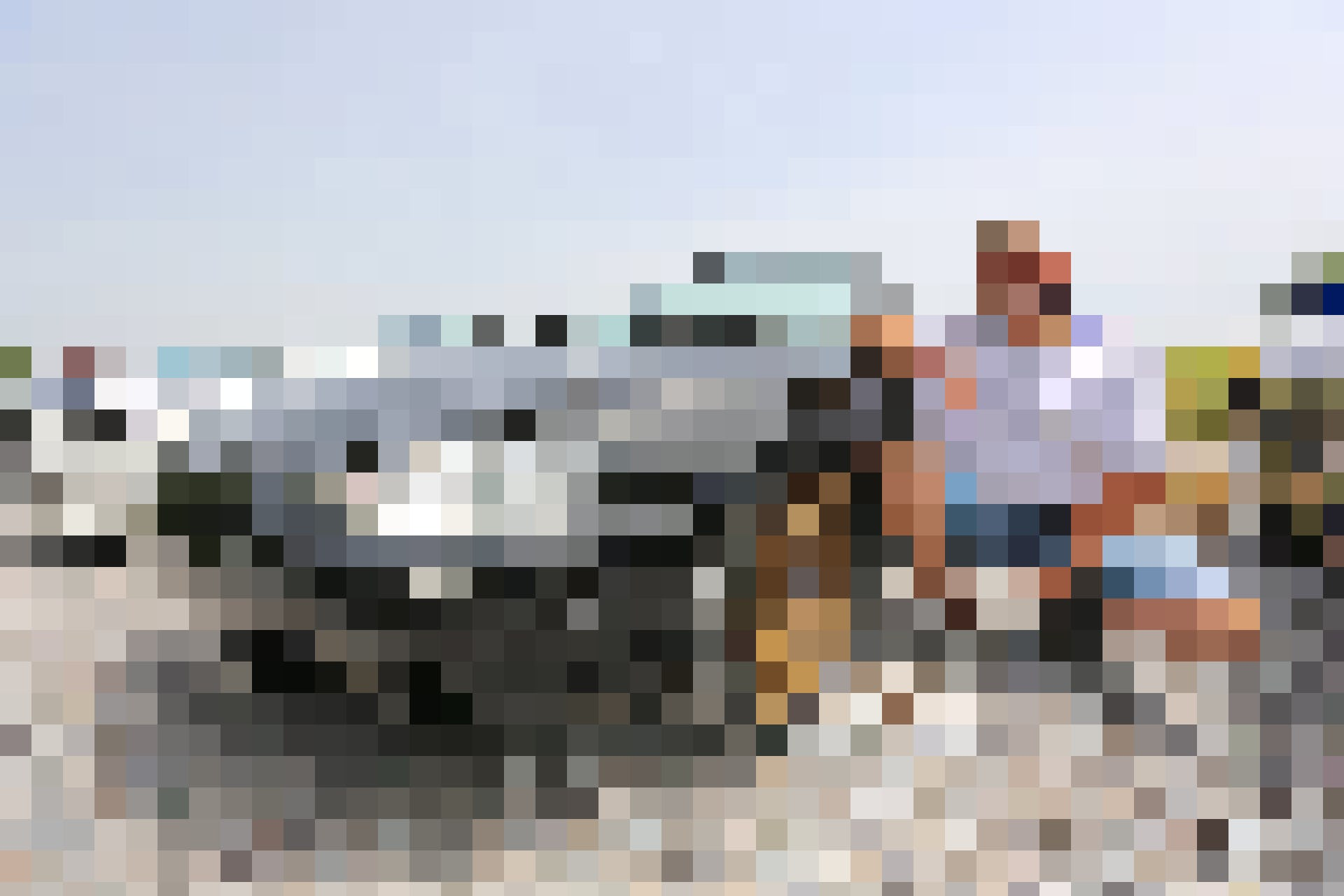 Claudio hat den MX-5 Club Zürichsee gegründet und ist von seinem Roadster begeistert: «Am Steuer eines Mazda MX-5 zu sitzen, das ist wie Töff fahren a...