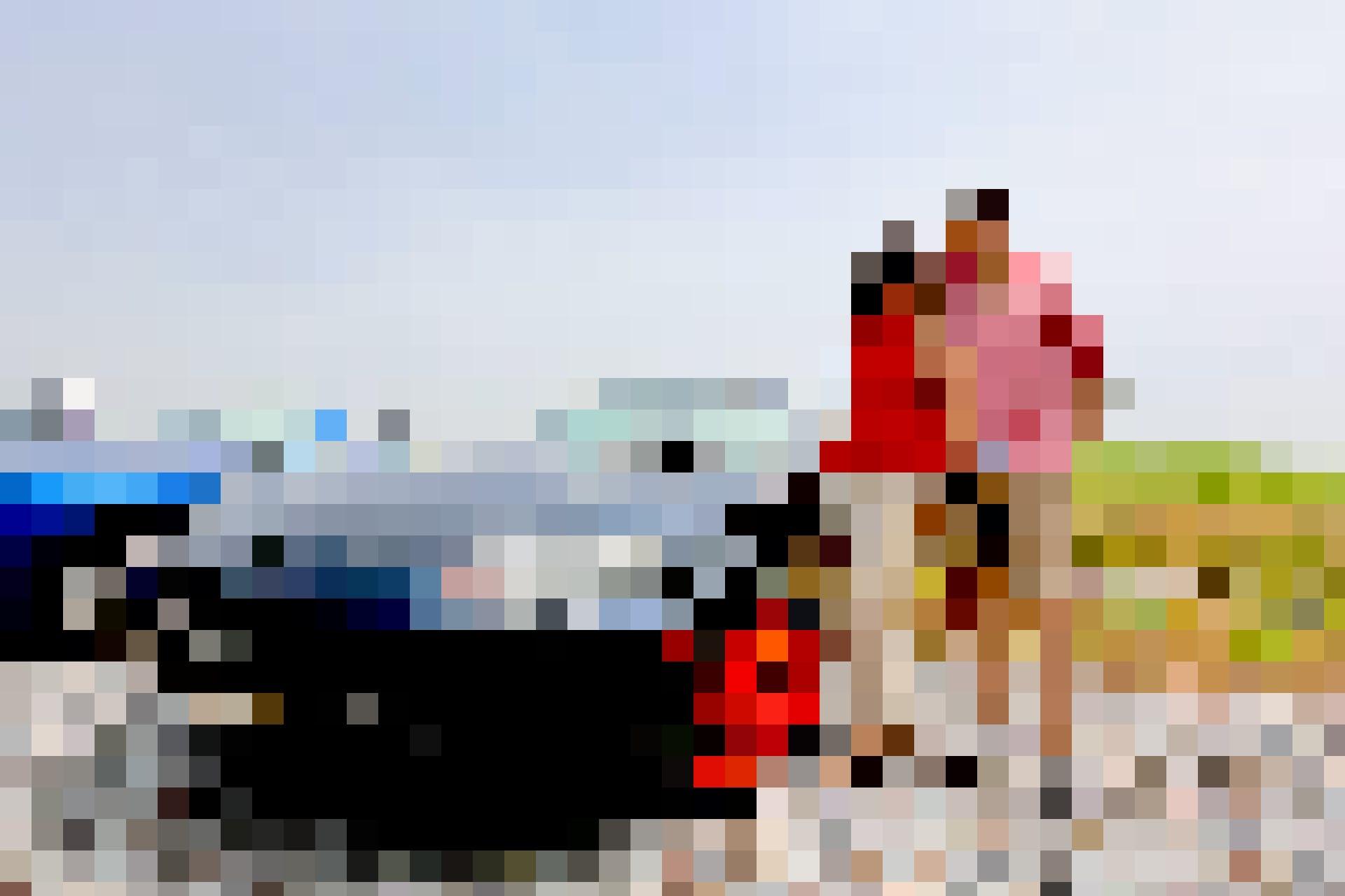 Jürg besitzt ihn, fahren darf den Mazda MX-5 aber natürlich auch Partnerin Mandi. Mandi kommt ursprünglich aus London und sagt: «Ich mag es, dass er e...