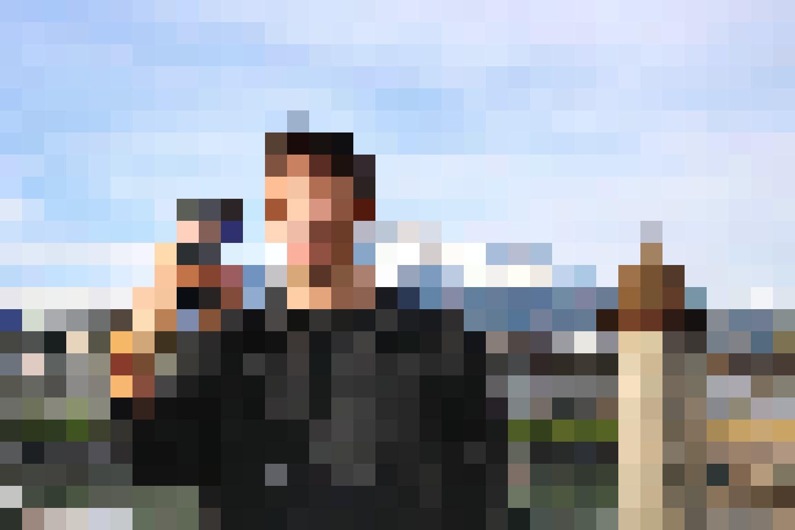 Selfie auf der Seebrücke, im Hintergrund Pilatus und Wasserturm/Kapellbrücke.