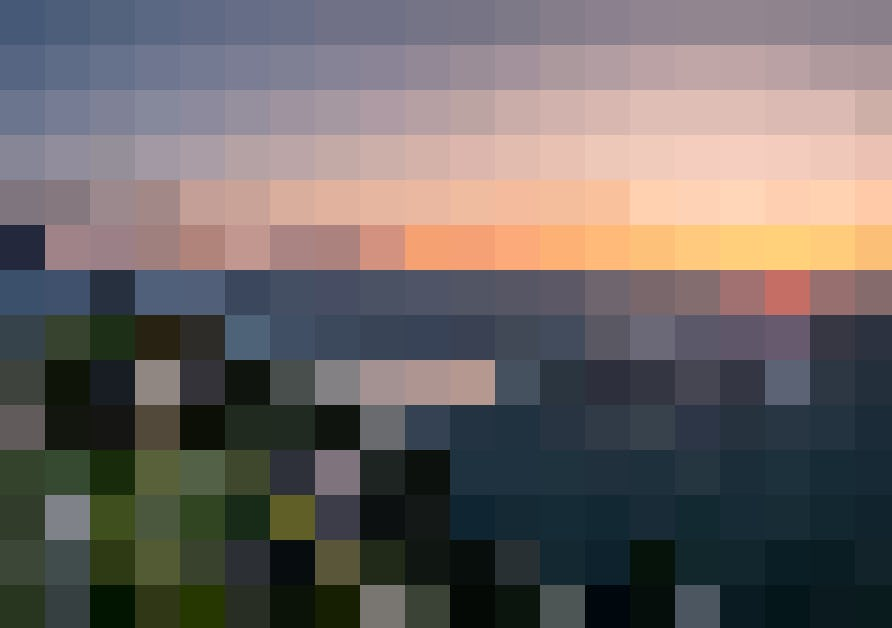Im glühenden Abendrot mit der Luftseilbahn auf das Niederhorn fahren: Geniessen Sie dort jetzt einen Welcome-Drink und ein auserlesenes 4-Gang-Menu.