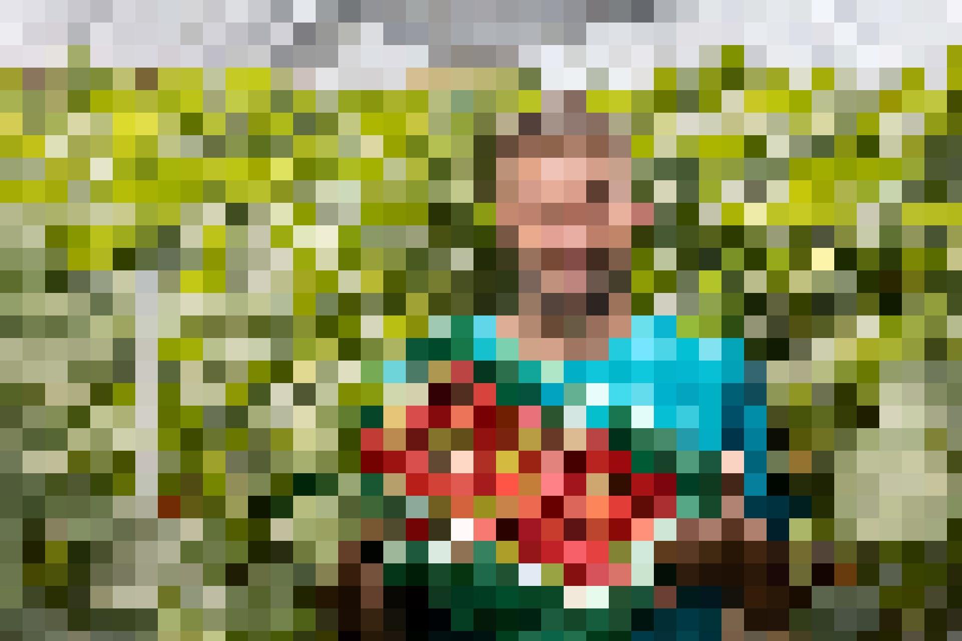 Jonas Boog sorgt für frische Beeren in der Migros Luzern.