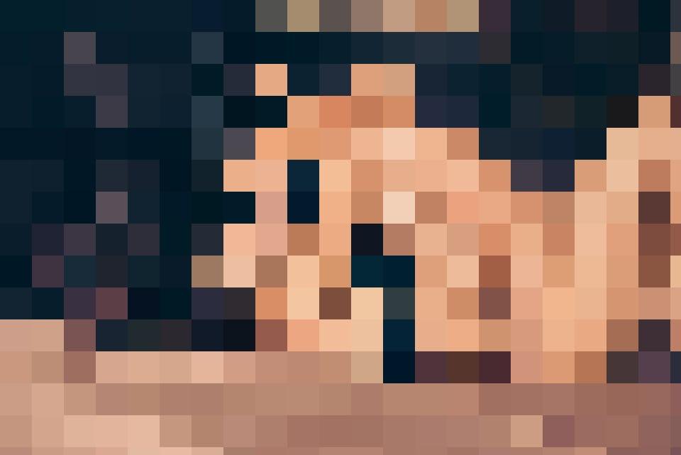 Ältere Frauen auch Cougars genannt, erfüllen sich ihre sexuellen Wünsche anonym im Internet
